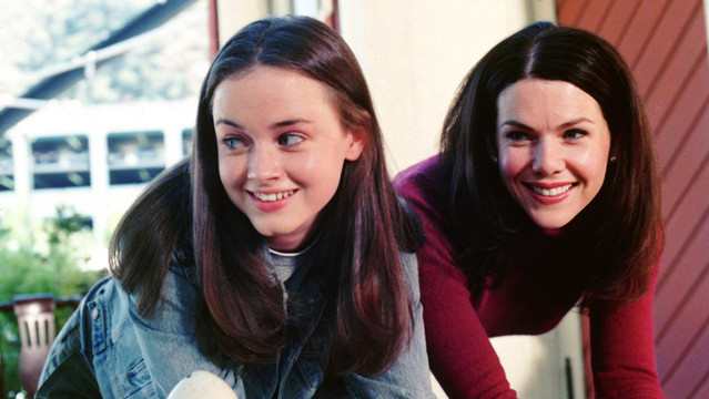 gilmore girls lauren graham alexis bledel still