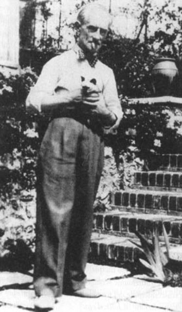 maurice ravel and siamese cat early 20th century