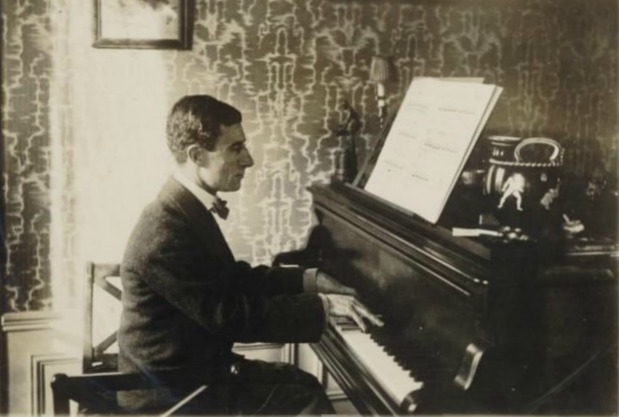 maurice ravel on the piano 1912