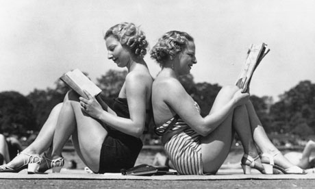 vintage women reading on holiday