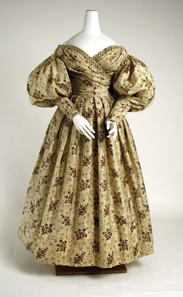1835 american wool and silk afternoon dress via met museum 44988