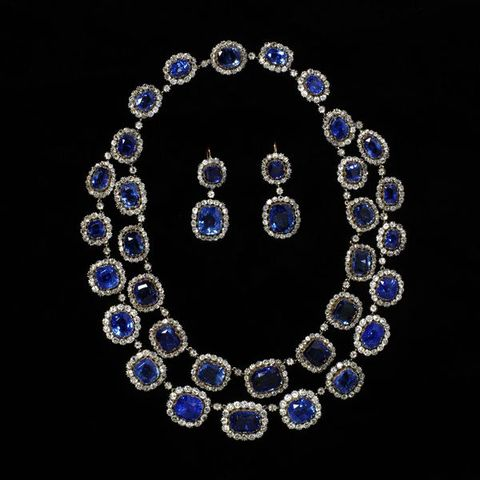 1850 sapphire and diamond necklace and earrings via victoria and albert museum c5029
