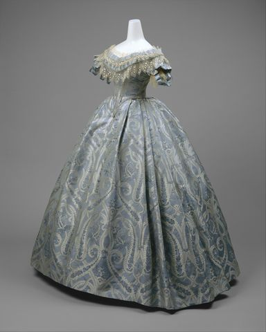 1860 american silk ball gown 2 via met museum e6673