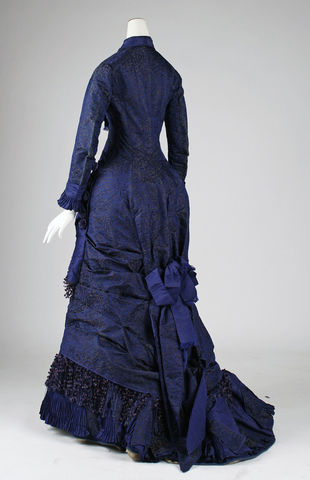 1876 american silk dress 1 via met museum 74f0e